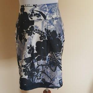 EUC Ann Taylor Size 8 Floral Pocket skirt